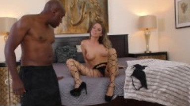 Tattooed russian gf bounces on strangers dick